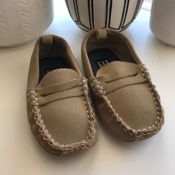 GAP Other - Gap Kids Tan Loafers - Size 7